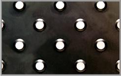 アンチスリップ鋼板
